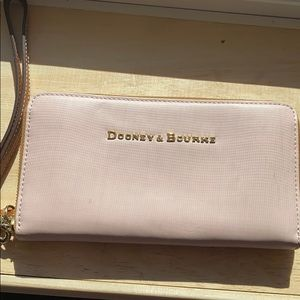 Dooney & Bourke NEW wallet